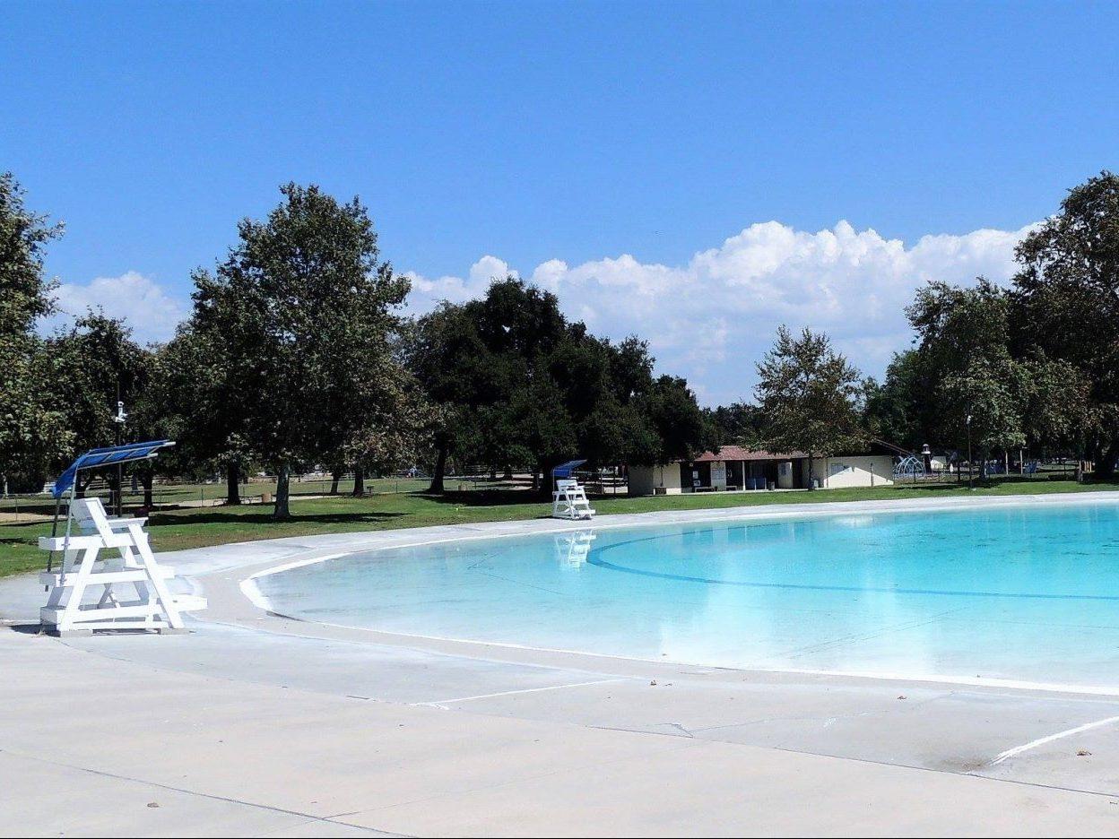 Guasti Pool