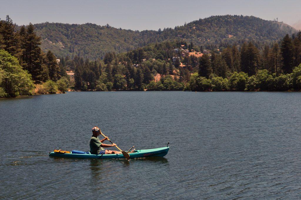 boat in mountain side lake