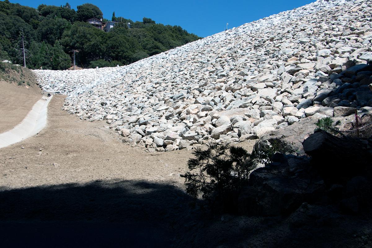 Rocks at lake gregory