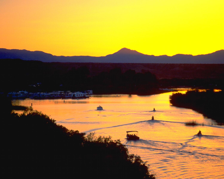 Moabi lake at sunset