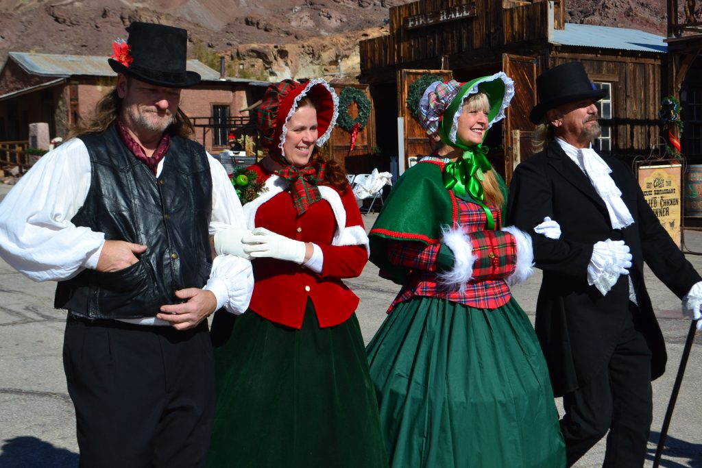 Winter Carolers at Calico