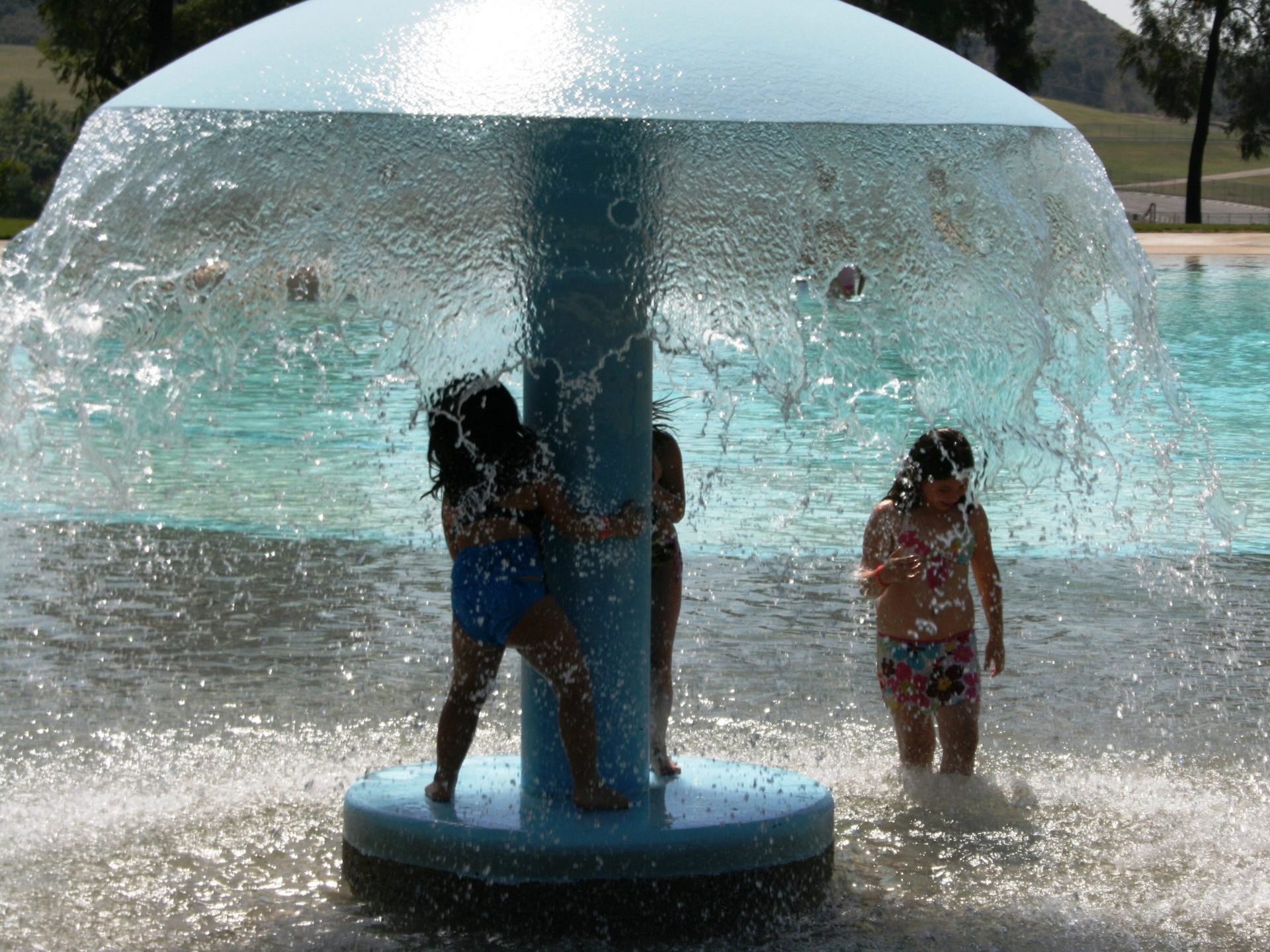 Kids playing in Gelen Helen Splash Pad 1
