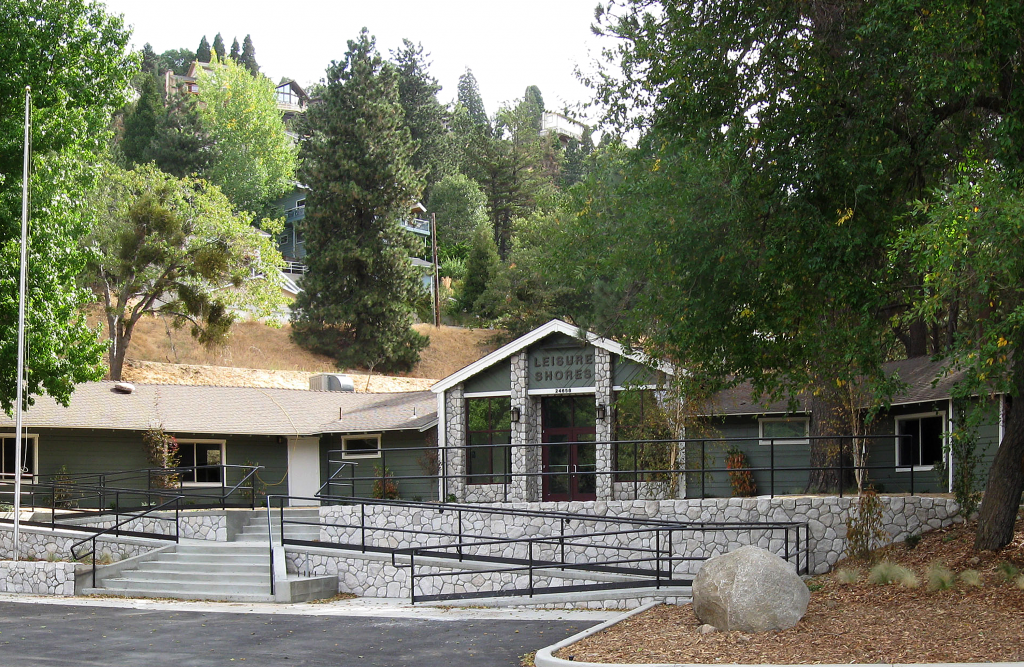 Leisure shores building at lake gregory